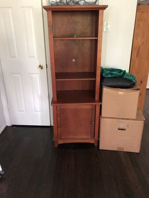 Wood shelf/small television or computer stand for Sale in Katy, TX