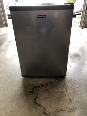 Emerson mini fridge for Sale in Puyallup, WA
