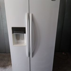 °°°Whirlpool 36-inch Wide Side-by-Side Refrigerator - 24 cu. ft. (Will Help You With Free Delivery for Sale in Claremont, CA