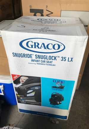 Graco Snugride Snuglock 35LX Infant Car Seat ***COMES WITH FREE SEAT PROTECTOR*** for Sale in Lake Stevens, WA