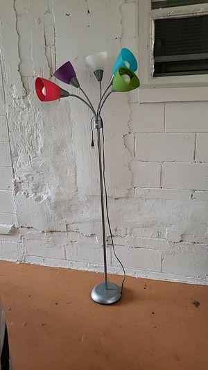 Mainstay 5 light multi head floor lamp for Sale in Azalea Park, FL