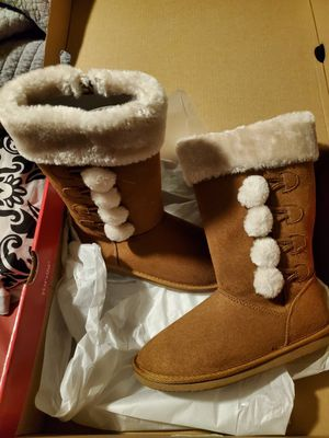 New girls boots sz 2 for Sale in Grand Prairie, TX