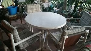 patio furniture 4 chairs and table for Sale in Bay Lake, FL