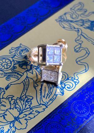 14 k screwbacks Diamond earrings for Sale in Antioch, CA