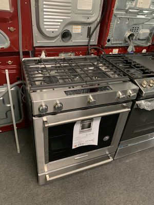 KITCHENAID NEW SCRATCH AND DENT STAINLESS STEEL SLIDE IN FRONT GAS STOVE WITH CONVECTION OVEN for Sale in Milford Mill, MD