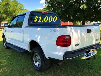 🟢💲1,OOO I'm selling URGENTLY this Beautiful💚2OO2 Ford F15O nice Family truck XLT Super Crew Cab 4-Door Runs and drives very smoothly💪🟢 for Sale in Portland,  OR