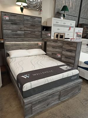 4 PC Bedroom Set (Queen Bed, Dresser Mirror and Nightstand), Grey for Sale in Norwalk, CA