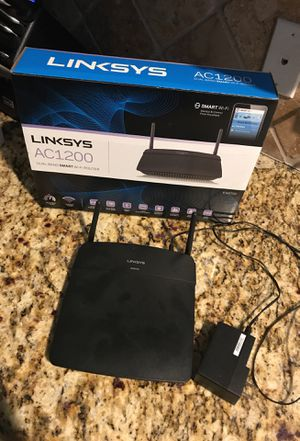 Linksys AC1200 EA6100 dual band smart WiFi router LIKE NEW in original box for Sale in Spring, TX