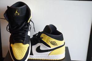 Jordan 1 Mid Yellow Toe Black for Sale in Pennsauken Township, NJ