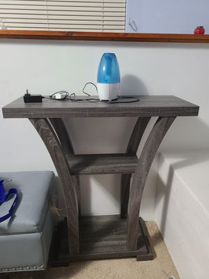 Console table for Sale in Frederick, MD