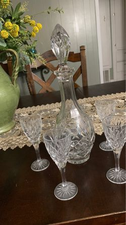 Crystal carafe with 4 glasses for Sale in La Puente,  CA