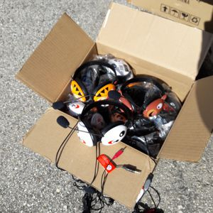 Box of 12 kids headphones with mic NEW for Sale in Los Angeles, CA