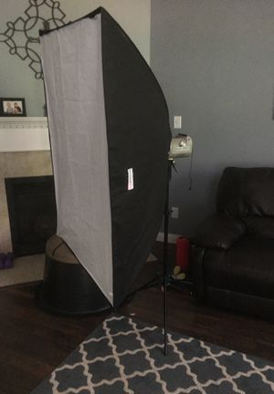 Photography strobe with large softbox. for Sale in Delaware, OH