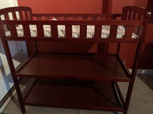 Dream on me changing table w/mattress for Sale in Brockton, MA