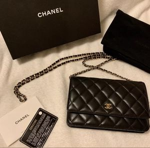 Chanel lambskin Wallet on chain bag and gold hardware for Sale in Dallas, TX