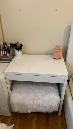 Desk for Sale in Paterson, NJ