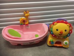 Baby bath With baby toys fisher price ! for Sale in West Palm Beach, FL