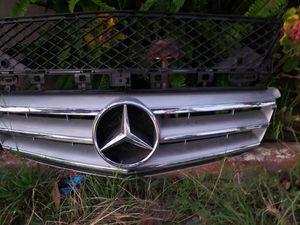 2013 Mercedes benz clas c 250 grille en bumper grille oem original for Sale in Santa Ana, CA