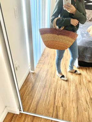 Womens / Bags Woven Straw Tote for Sale in Los Angeles, CA