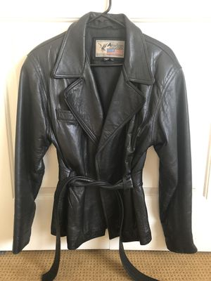 Ladies leather jacket for Sale in Vancouver, WA