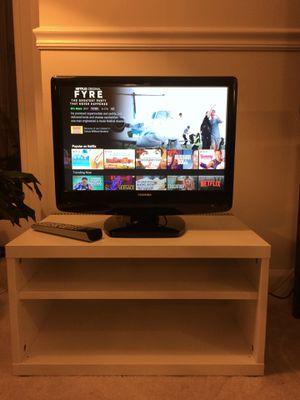 """Toshiba 19"""" LCD HDTV for Sale in Arlington, VA"""