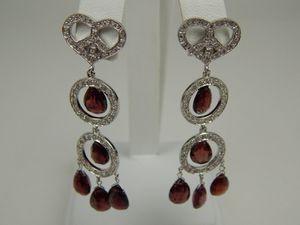 ND 18k white gold garnet diamond earrings for Sale in Queens, NY