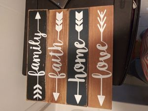 Wooden plaque pictures for Sale in Lewisburg, PA