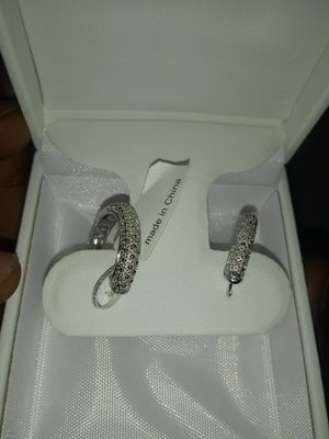 Delamore 1/2 ct diamond hoop earrings for Sale in St. Louis, MO