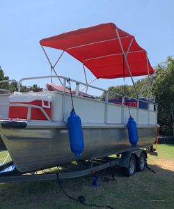 1997 Refurbished Voyager pontoon Party Barge for Sale in Dripping Springs,  TX