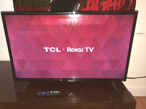 TCL Roku Smart TV (28 inches) GOOD DEAL! for Sale in Pembroke Pines, FL
