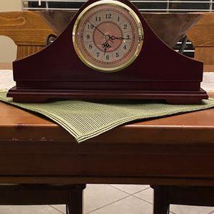 Pennington Mantle Clock for Sale in Katy, TX