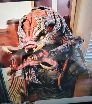 Life-size 1:1 scale Sideshow Berserker Predator Bust collectible Statue AVP alien for Sale in Fullerton, CA