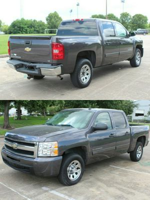2010 CHEVROLET SILVERADO 1500 CLEAN TITLE LOW DOWN for Sale in Houston, TX
