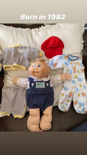Vintage 1982 Cabbage Patch Doll + 2 outfits for Sale in Atlanta, GA
