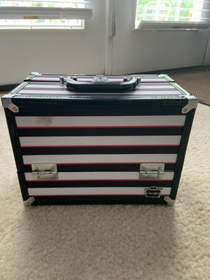 makeup case / caboodle for Sale in Raleigh, NC
