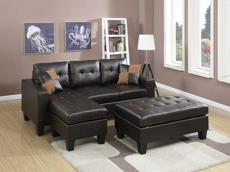 Swain Sectional Sofá w/ large ottoman for Sale in Hudson,  MA