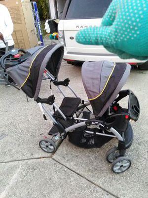 Double sit and stand stroller for Sale in Roseville, MI