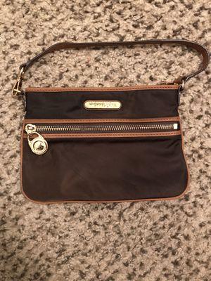 "Michael Kors 6"" bag for Sale in Las Vegas, NV"