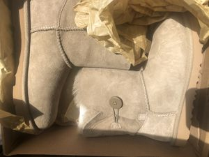 Uggs for Sale in Yonkers, NY