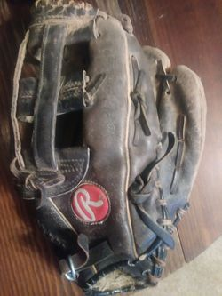 Adult 12 Inch Rawlings Baseball Glove for Sale in Indianapolis,  IN