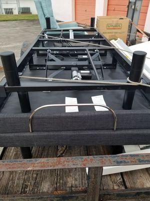 Bed adjustable Serta for Sale in Sebastian, FL