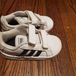 Toddler Adidas size 7 for Sale in Baltimore, MD