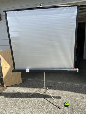 Foldable projector screen for Sale in Tacoma, WA