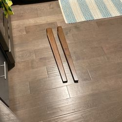 Free table legs (2) for Sale in Chicago,  IL