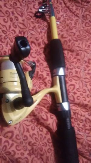 Eagle claw retractable fishing reel/rod for Sale in Fresno, CA