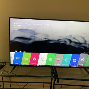 LG Smart T.v. 70 Inch for Sale in Joliet, IL
