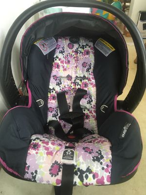 EVENFLO CARSEAT - for Sale in Peoria, IL
