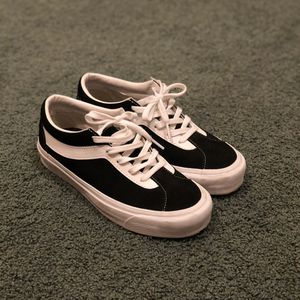 Vans Vault Bold Ni Size 7 for Sale in Artesia, CA
