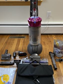 Dyson DC65 Animal Complete Vacuum for Sale in Wilmington,  MA