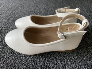 HEHAINOM Girls Toddler Little Kid Dress Shoes Mary Jane Ballet Flats with Ankle Strap for Flower Girl for Sale in Lake Forest, CA